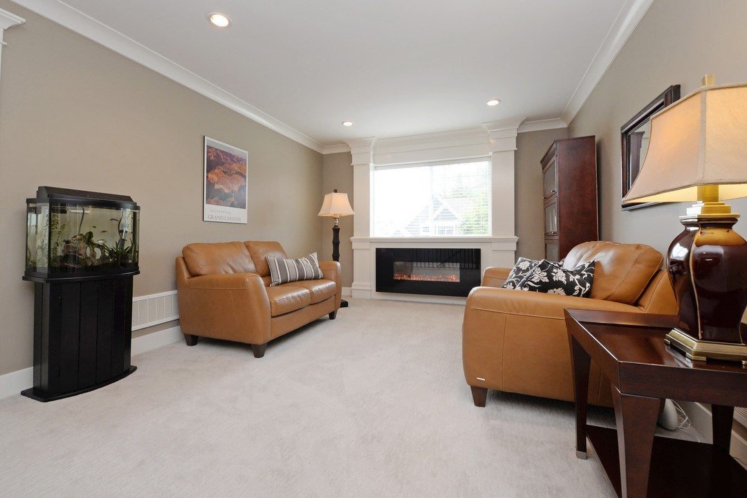 Upstairs Media Room/Sitting Area - 17350 3A Ave