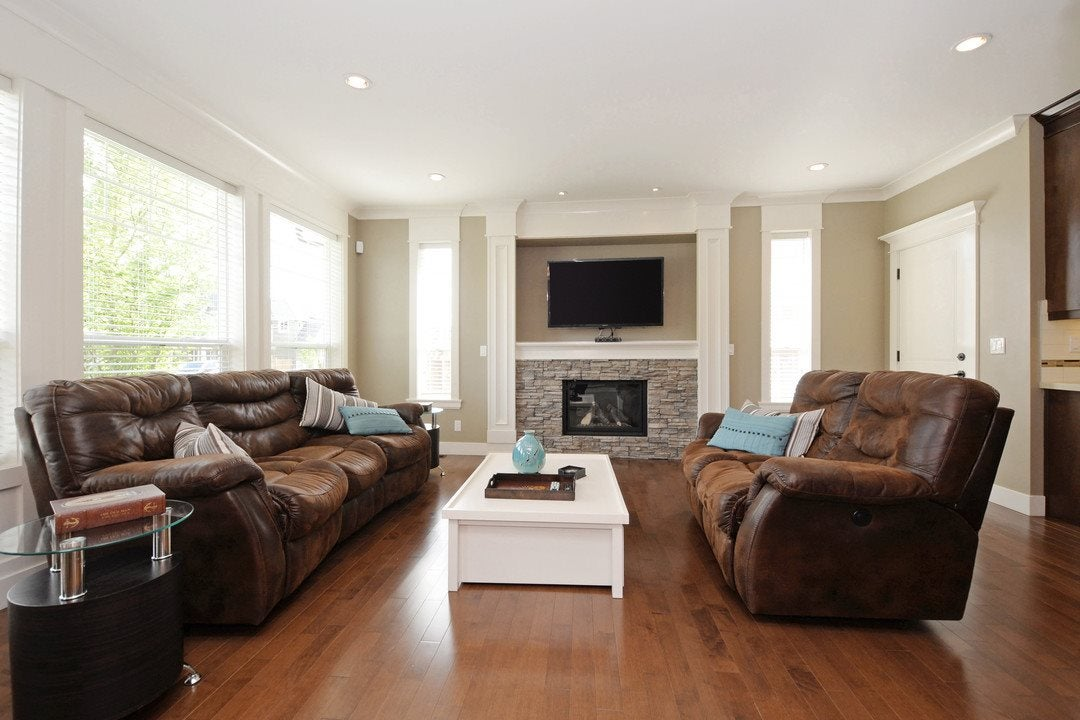Living Room - 17350 3A Ave