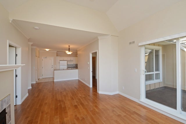 407 1685 152A STREET - King George Corridor Apartment/Condo for sale, 2 Bedrooms (R2302986) #4