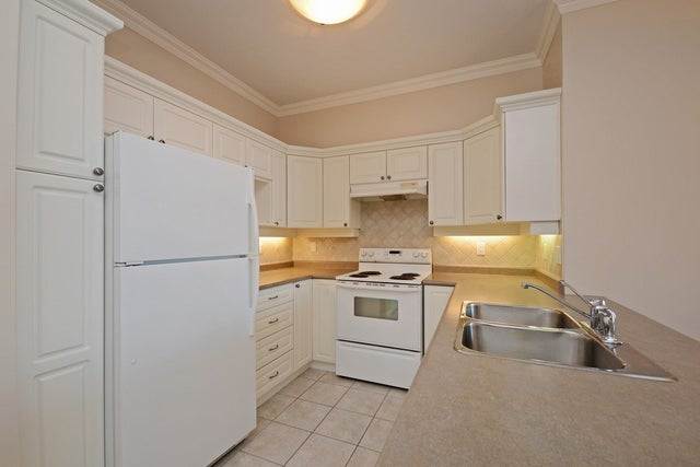 407 1685 152A STREET - King George Corridor Apartment/Condo for sale, 2 Bedrooms (R2302986) #5
