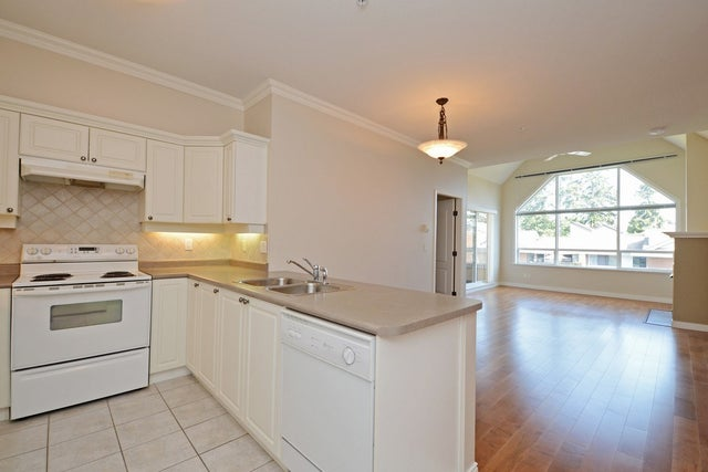 407 1685 152A STREET - King George Corridor Apartment/Condo for sale, 2 Bedrooms (R2302986) #7